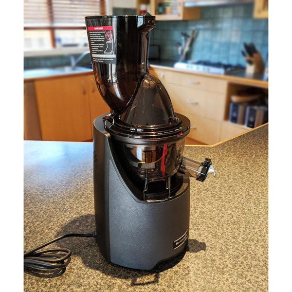 EVO820 Evolution Cold Press Juicer (dark grey)